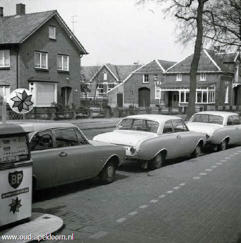 Neem een kijkje bij oud apeldoorn for Garage des taxis g7